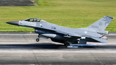 6686 - General Dynamics F-16A Fighting Falcon - Taiwan - Air Force