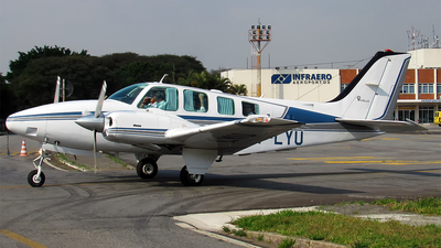 PT-LYU - Beechcraft 58 Baron - Private