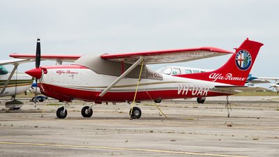 A picture of VHUAR - Cessna R182 Skylane RG - [R18201928] - © George Canciani