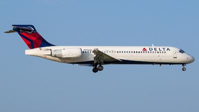 N996AT - Boeing 717-2BD - Delta Air Lines