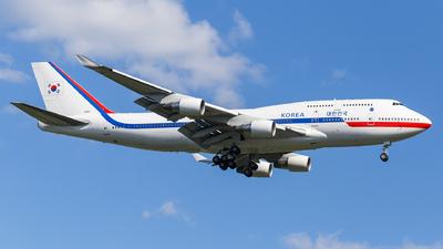 10001 - Boeing 747-4B5 - South Korea - Air Force