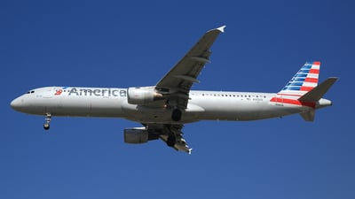 N165US - Airbus A321-211 - American Airlines
