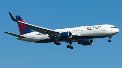 N172DZ - Boeing 767-332(ER) - Delta Air Lines