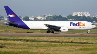A picture of N103FE - Boeing 7673S2F(ER) - FedEx - © Sieu Viet - SFAP