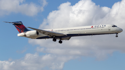 N964DN - McDonnell Douglas MD-90-30 - Delta Air Lines