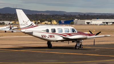 A picture of VHJWH - Piper PA31310 - [317401253] - © CATHAY246