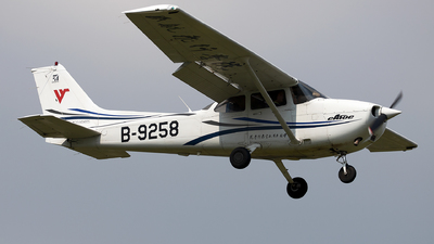 B-9258 - Cessna 172R Skyhawk - Civil Aviation Flight University of China
