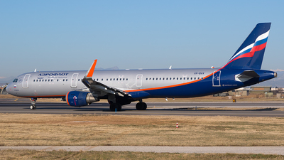 A picture of VPBAV - Airbus A321211 - Aeroflot - © Roberto Bianchi