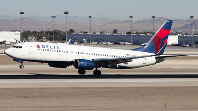 A picture of N371DA - Boeing 737832 - Delta Air Lines - © David Lee