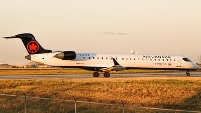 C-FBJZ - Bombardier CRJ-900LR - Air Canada Express (Jazz Aviation)