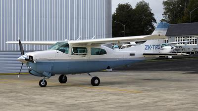 A picture of ZKTRO - Cessna T210R Turbo Centurion - [21064918] - © Leo Pardon