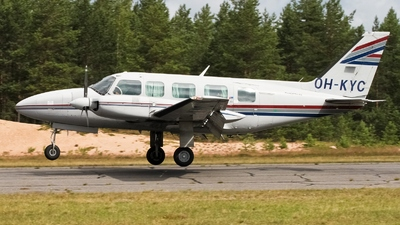 OH-KYC - Piper PA-31-350 Chieftain - Private