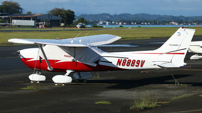 A picture of N8889V - Cessna 172M Skyhawk - [17264247] - © Angel Natal