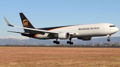 A picture of N308UP - Boeing 76734AF(ER) - UPS Airlines - © Kenneth Mora Flores KMF777