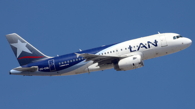 A picture of CCCQL - Airbus A319132 - LATAM Airlines - © Juan Manuel Temoche - SPJC Spotter