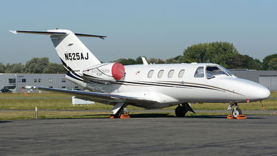 N525AJ - Cessna 525 CitationJet 1 Plus - Private