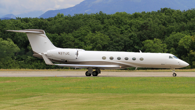A picture of N371JC - Gulfstream V - [505] - © Chris_N