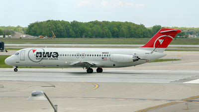 N9333 - McDonnell Douglas DC-9-31 - Northwest Airlines