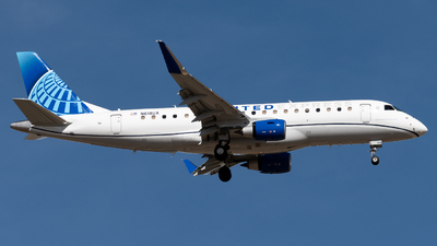 A picture of N618UX - Embraer E175LL - United Airlines - © Michael Place