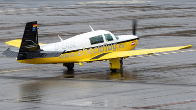 D-EASL - Mooney M20K-231 - Private