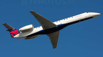 A picture of N571RP - Embraer ERJ145LR - [14500827] - © Alex Brodkey