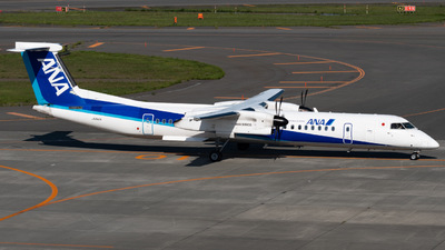 JA842A - Bombardier Dash 8-Q402 - ANA Wings