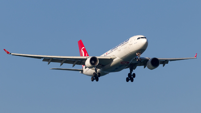 A picture of TCJIP - Airbus A330223 - Turkish Airlines - © Eren Erol