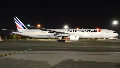 A picture of FGZND - Boeing 777328(ER) - Air France - © ORTIASpotter