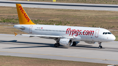 A picture of TCDCJ - Airbus A320214 - Pegasus Airlines - © Turkay Oksuz