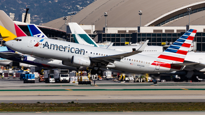 A picture of N962AN - Boeing 737823 - American Airlines - © Brandon Giacomin