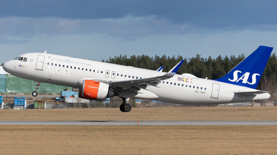 A picture of SEROF - Airbus A320251N - SAS - © Rickard Andersson