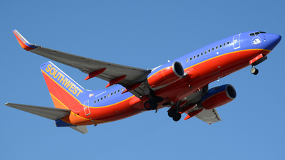 N288WN - Boeing 737-7H4 - Southwest Airlines