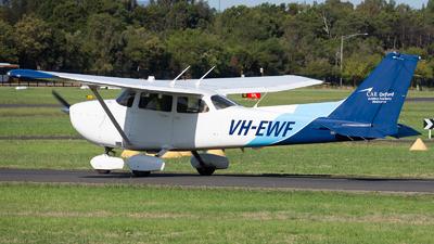 A picture of VHEWF - Cessna 172S Skyhawk SP - [172S11411] - © Michael Demura