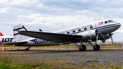 N877MG - Douglas DC-3C - Private