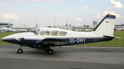 S5-DMY - Piper PA-23-250 Aztec E - Private