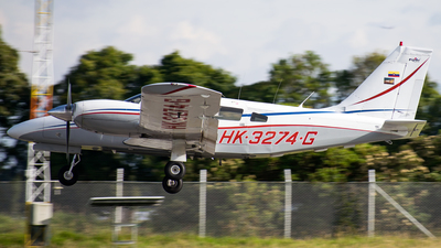 HK-3274-G - Piper PA-34-220T Seneca III - Private