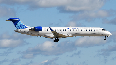 A picture of N547GJ - Mitsubishi CRJ550 - United Airlines - ©  JC