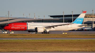 A picture of LNLNT - Boeing 7879 Dreamliner - [38774] - © Kamil Pisarski