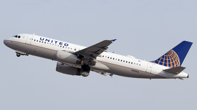 N469UA - Airbus A320-232 - United Airlines