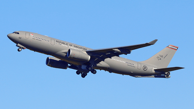 762 - Airbus A330-243 (MRTT) Voyager KC.2 - Singapore - Air Force