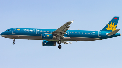 VN-A324 - Airbus A321-231 - Vietnam Airlines