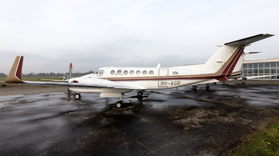9H-AGR - Beechcraft B300 King Air 350 - Private