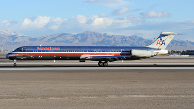 N464AA - McDonnell Douglas MD-82 - American Airlines