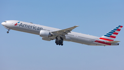A picture of N724AN - Boeing 777323(ER) - American Airlines - © Wes Loeffler