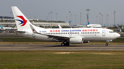 B-5225 - Boeing 737-79P - China Eastern Airlines