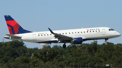 A picture of N214JQ - Embraer E175LR - Delta Air Lines - © Connor Cummings