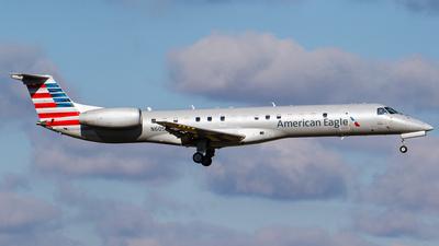 A picture of N605KS - Embraer ERJ145LR - American Airlines - © Martin Pinnau