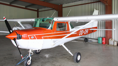 OO-DRI - Cessna 152 II - Royal Antwerp Aviation Club