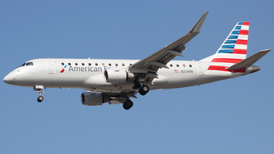 A picture of N204NN - Embraer E175LR - American Airlines - © Nate Morin