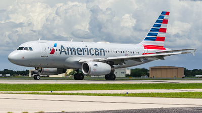 A picture of N825AW - Airbus A319132 - American Airlines - © Maxime CERTAIN-MESSAGER